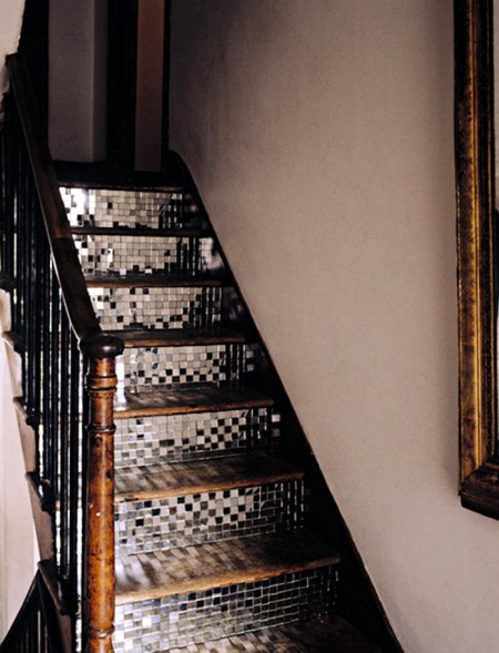 04 mirror stairs